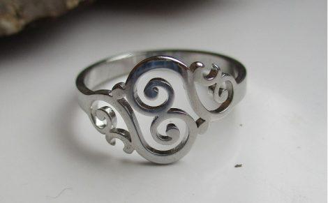 Nemesacél gyűrű íves mintával ezüst színben
