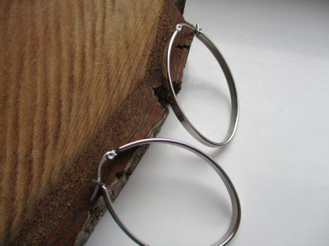 Ovális acél fülbevaló ezüst színben