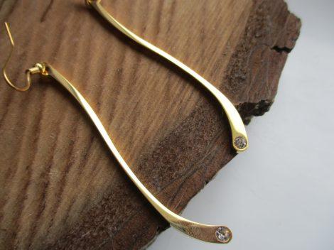 Hosszú lógós acél fülbevaló arany színben