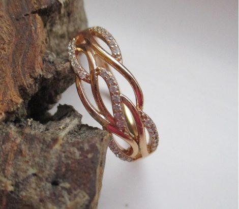 Arany színű gyűrű fonott hatású mintával
