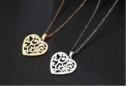 Acél nyaklánc szív medállal arany vagy ezüst színben