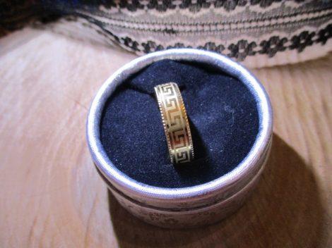 Nemesacél gyűrű görög mintával
