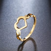 Acél gyűrű szív alakú mintával