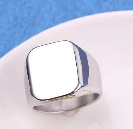 Nemesacél pecsétgyűrű ezüst színben