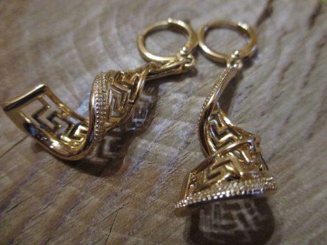 Arany színű fülbevaló görög mintával
