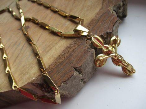 Nemesacél nyaklánc és barakka kereszt medál arany színben