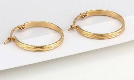 Vágott mintás acél fülbevaló arany vagy ezüst színben