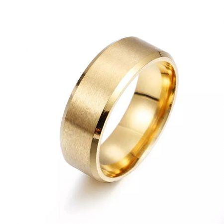 Matt fényű acél karikagyűrű arany színben