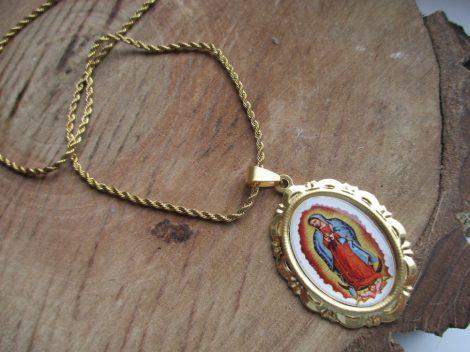 Szűz Mária képes medál és csavart mintás nyaklánc nemesacélból