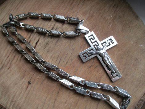Nemesacél ezüst színű nyaklánc és Jézus medál görög mintával