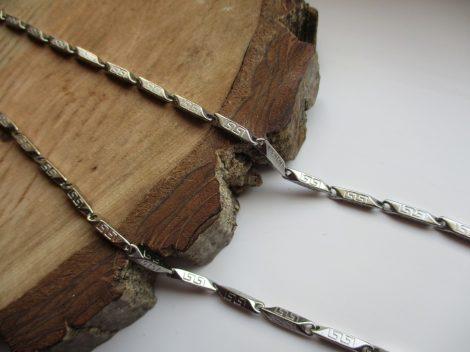 Nemesacél ezüst színű görög mintás nyaklánc