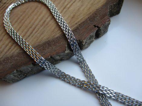 Lapos szövésű nemesacél nyaklánc ezüst színben