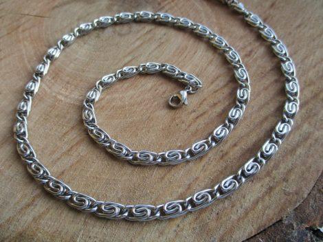 Görög / csiga mintás nemesacél ékszerszett ezüst színben